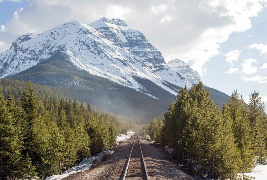 Virtuoso Insider's Guide - Traverse the Canadian Rockies